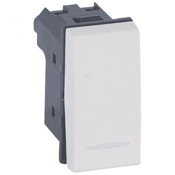 Legrand Vela Two Way Switch 10A White Legrand 687003